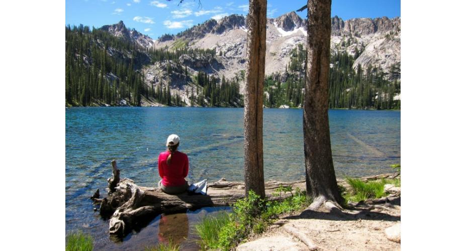 HIKES LEADING TO GORGEOUS LAKES