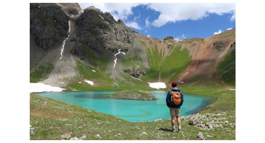 5 COLORADO HIKES LEADING TO ALPINE LAKES