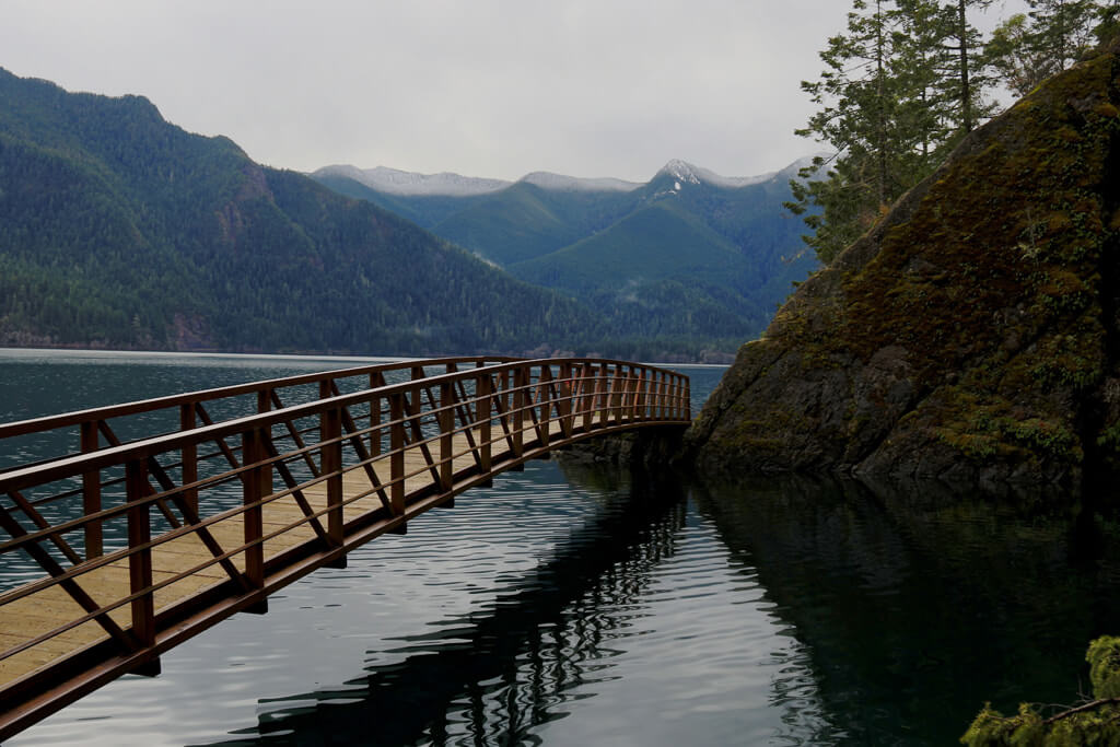 Trail running Lake Crescent - Douglas Scott